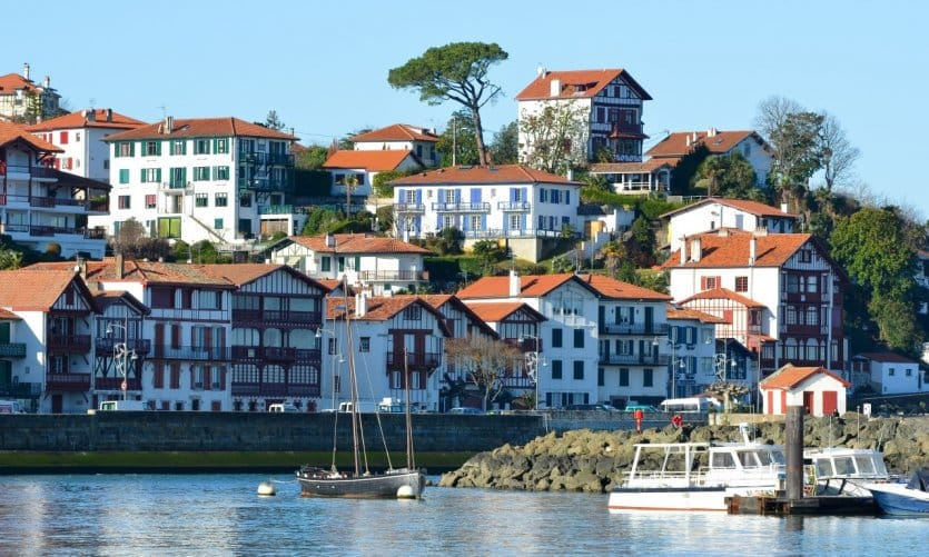 ville a voir au pays basque